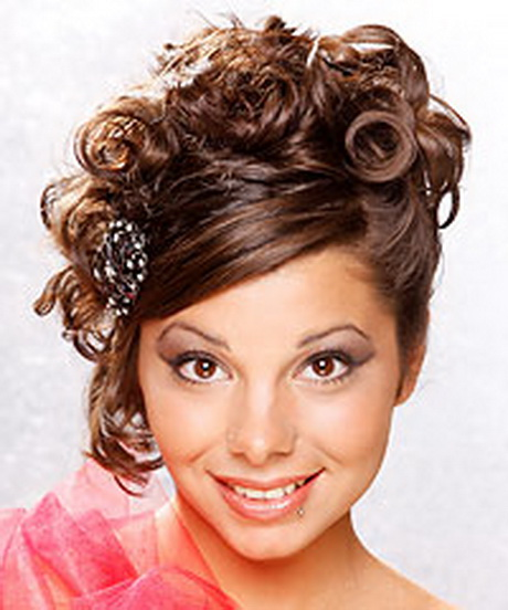 Wonderful Easy Twisted Updo For Long Or Short Hair