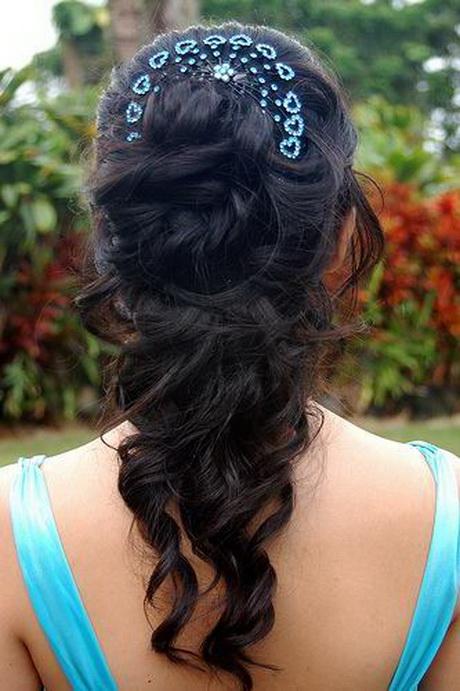Romantic Half Up Half Down Hairstyle with Curls  Braidsandstyles12