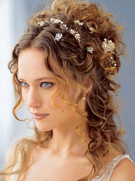 Hairstyles For Prom With Flowers : Prom hairstyles with flowers