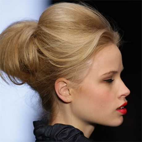 Curly hairstyles for long hair. For a soft look that has plenty of ...