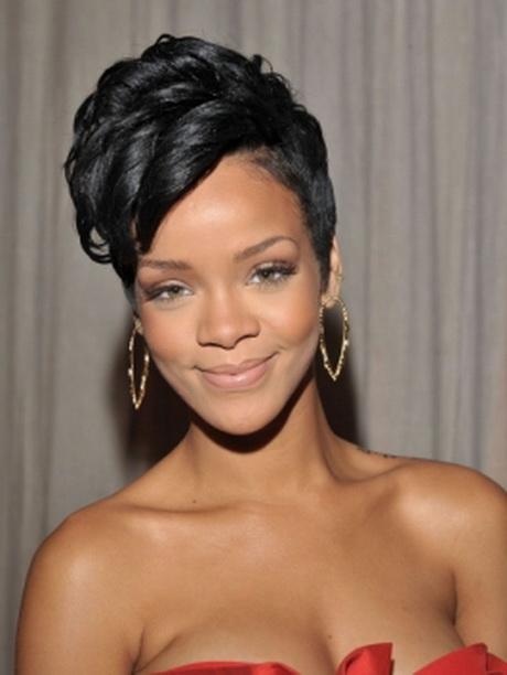 Rihanna Short Hair Style