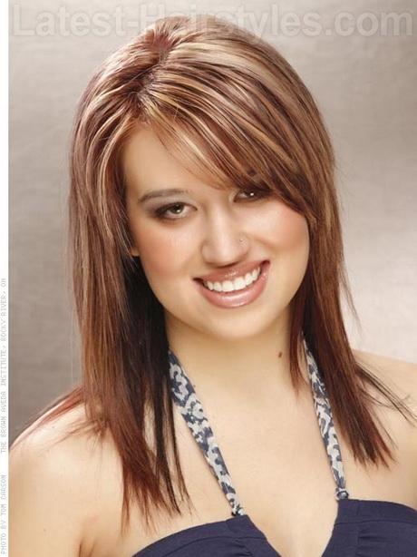 Round Face Medium Hairstyles