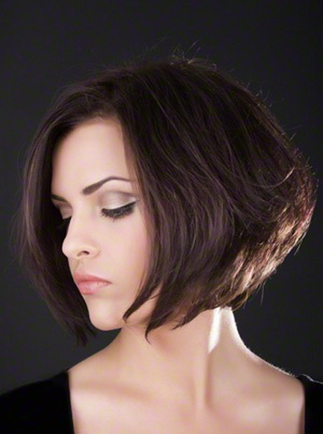 Round face medium length hairstyles