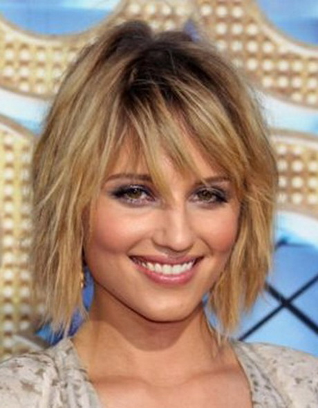 feathered medium shaggy hairstyle shaggy medium hairstyle for