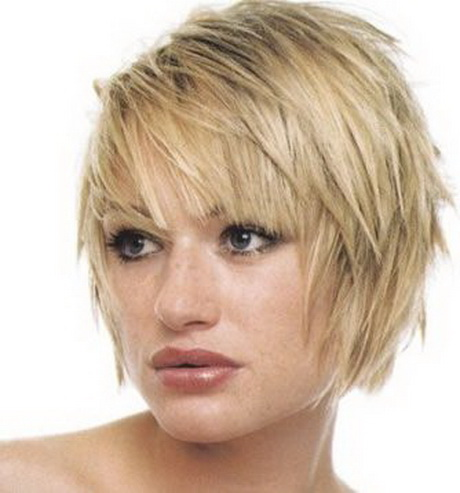 layered short hair feathered bob hairstyles with bangs feathered ...