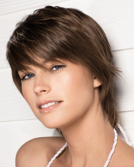 more short feathered hairstyles short feathered haircuts feathered ...