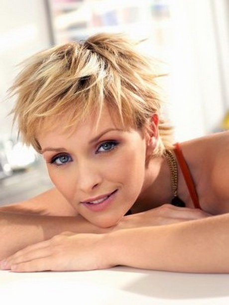 Short hair styles for fine hair older women