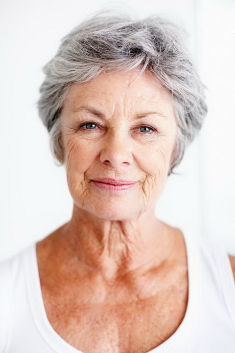 Short grey hair styles for older women