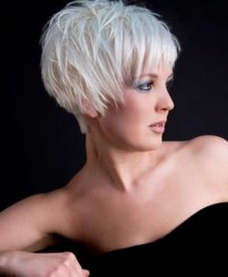 Ways To Go Gray Gracefully | 4. Go Short with Gray Hair | Style Goes ...