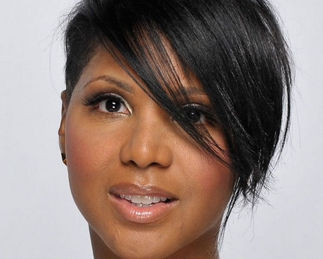 Short haircut with weave