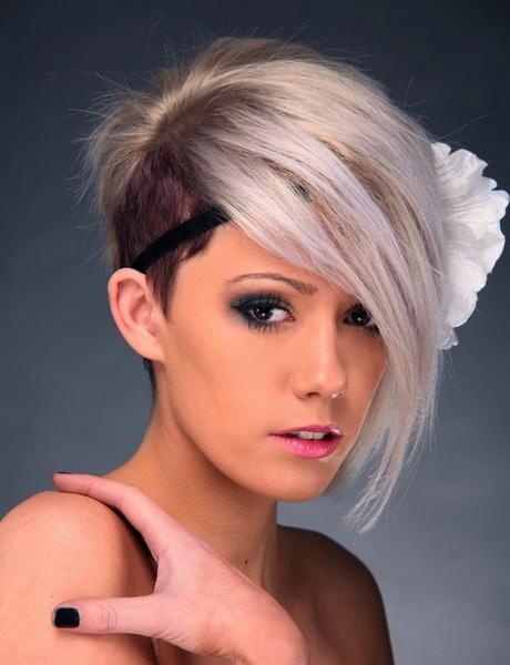 Short Haircut Photos Women