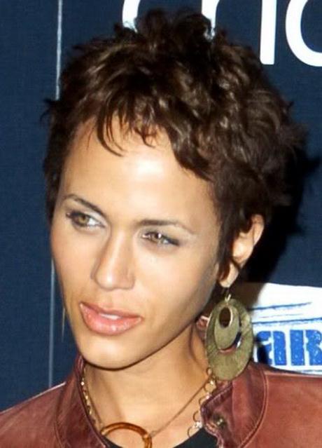 Short Haircuts For Hispanic Women