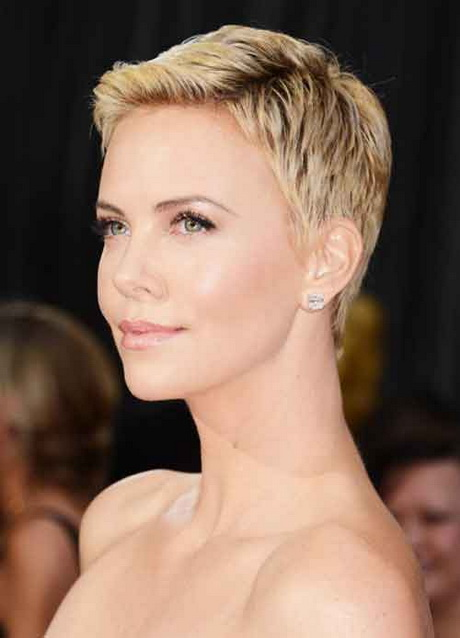 Short haircuts for oval face