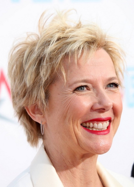 popular hairstyles for 50 year old women. straight short hairstyles