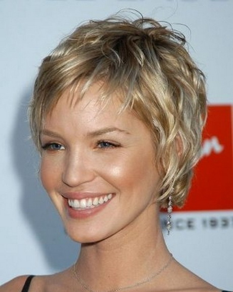 Short hairstyles for curly fine hair