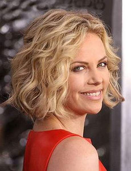 Best hairstyle for curly thin hair : Short hairstyles for curly fine hair