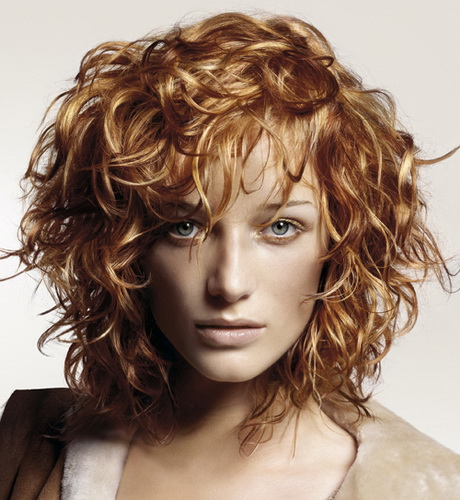 hairstyle women curly - photo #37