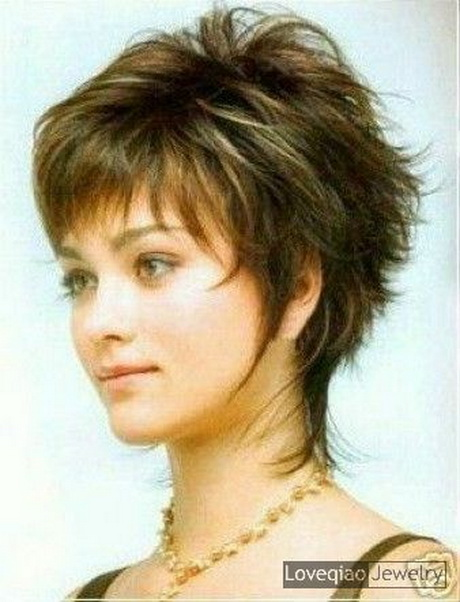 Short hairstyles for overweight women