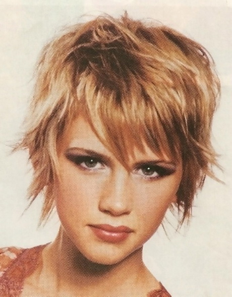 Short hairstyles for thick hair women