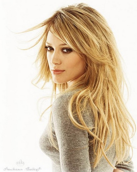 Best Haircuts for Women in Their 20s and 30s