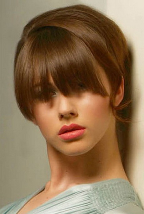 Short hairstyles with bangs for women