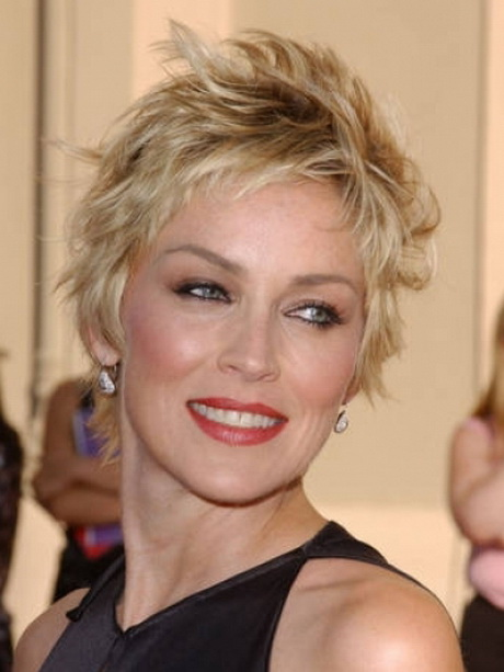 Hairstyles For Short Hair Over 40 : Short layered haircuts for women over 40