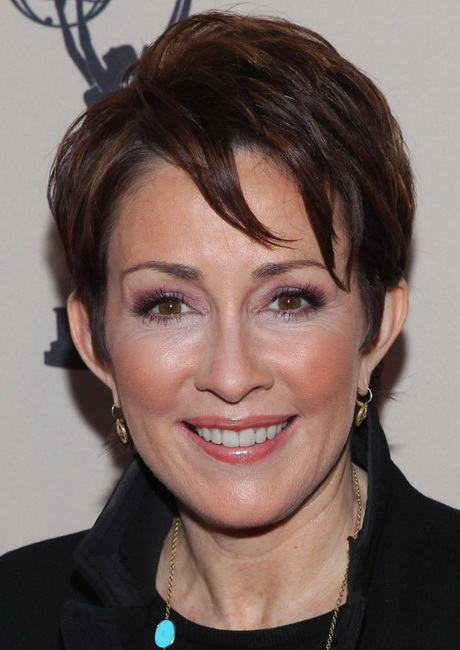 Short Layered Haircuts for Women Over 40 Short layered haircut is an ...
