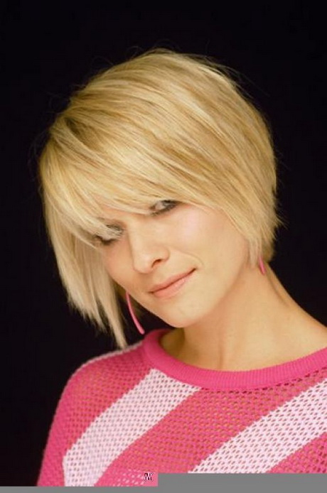 Short medium hairstyles for fine hair