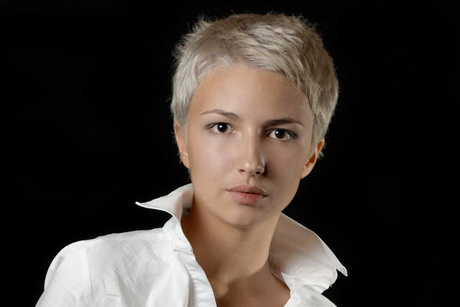 short pixie haircuts for thick hair