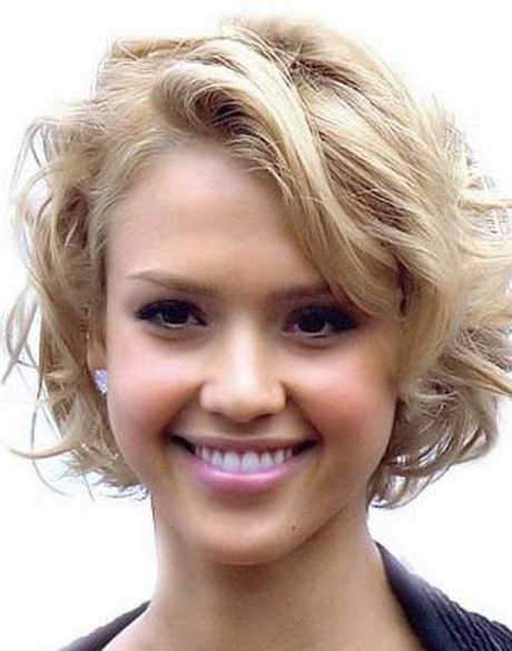 Short semi curly hairstyles