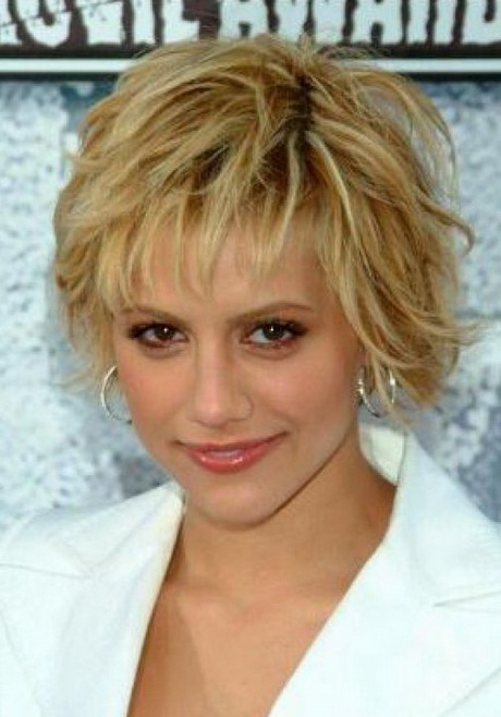 Tori Spelling Blonde Shaggy Hairstyle