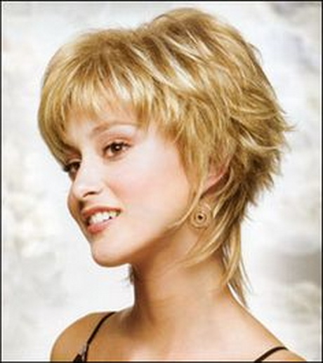 Short shaggy hairstyles for women over 50