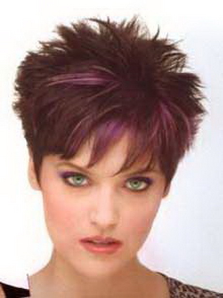Short spikey hairstyles for women over 40