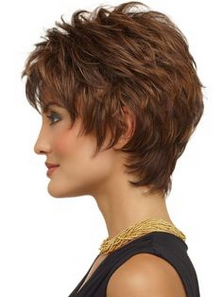 Short Layered Hair With Wispy Side Bangs