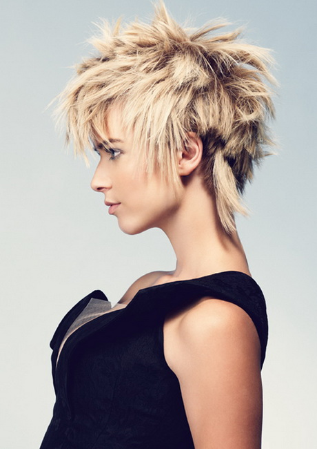 Short Textured Hairstyles Women 1