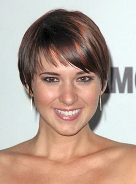 Kelli Barksdale is seen here wearing this wonderful short wedge cut ...