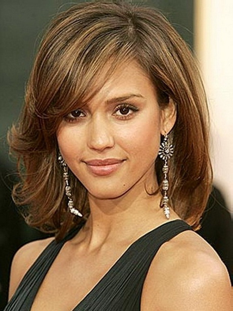 Bangs With Shoulder Length Hairstyle : Shoulder length layered haircuts with bangs