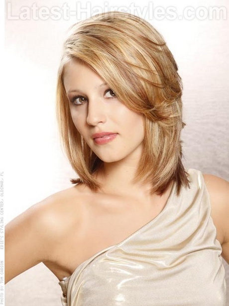 Beautiful Alhafilo Celebrity Medium Length Hairstyles