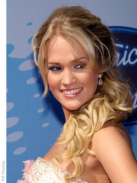 side swept hairstyle : Side ponytail prom hairstyles