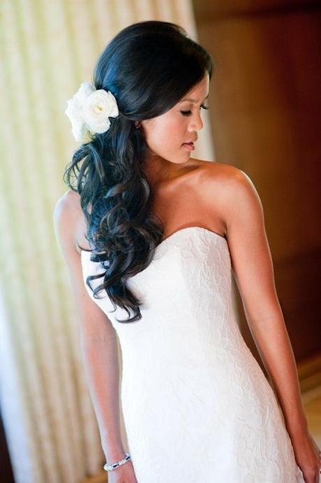 single twist hairstyle : Side swept wedding hair