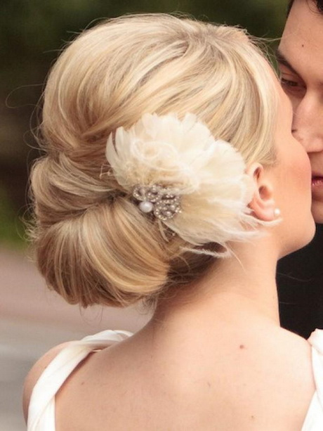 Simple Updos Wedding Hairstyles Everything Wedding Ideas Simple Updos