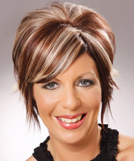 Trendy Hairstyles For Women Over 40