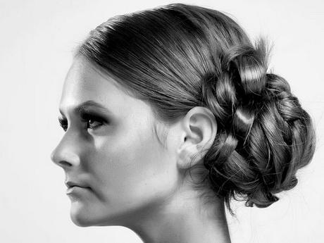 Hairstyle for straight and smooth hair profile beautiful long hair Cute prom hairstyles for long hair