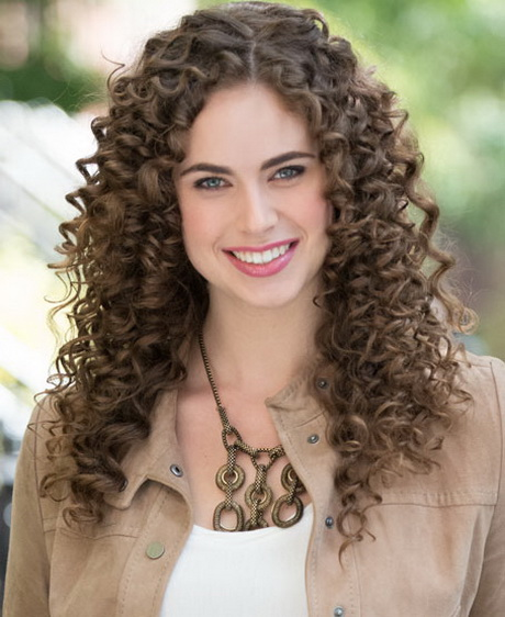 curly hairstyles pictures very short curly hair women very short curly