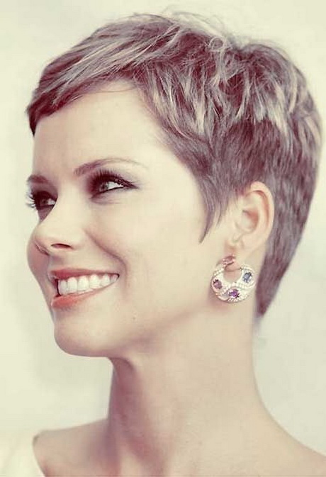 2015 Chic Short Hairstyles for Women Over 30 – 40