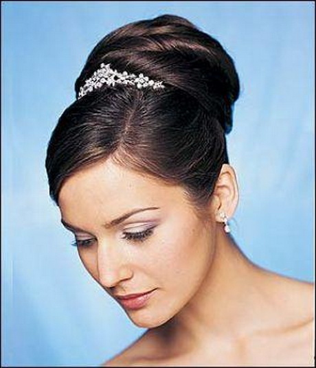 Wedding hairstyles with tiara for black women