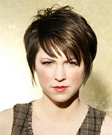 short wispy hairstyles : Medium length short wispy layered woman?s hair cut with side bang