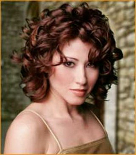 Best Shoulder Length Haircuts For Curly Hair : Best medium length haircuts for curly hair