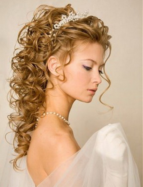 35 Wedding Hairstyles Discover Next Year S Top Trends For: Bridesmaid Hairstyles 2015