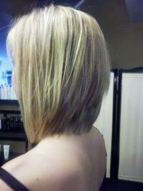 Triangle Layered Bob Brunette Straight Look …
